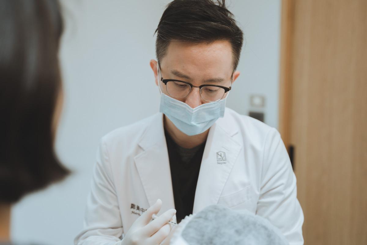鄭黃中宇醫師複合式治療